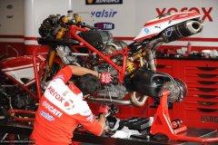 2010-05-08-Monza-2052-Superbike-Box-Pitlane